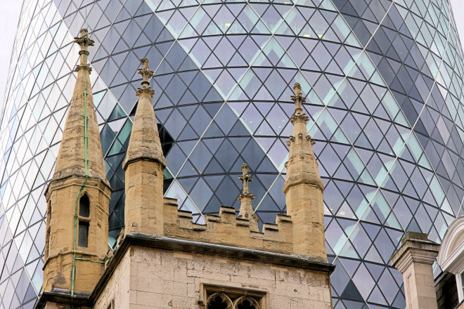 the gherkin first sustainable skyscrapper and church of mary axe