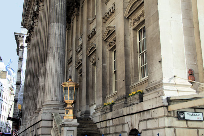 Mansion House Features A Portico With Six Corinthian Classic Palladian Architecture