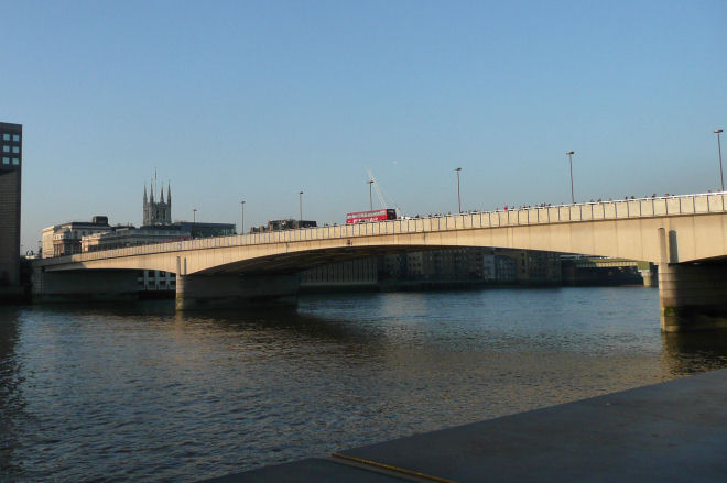 london bridge from the northbank