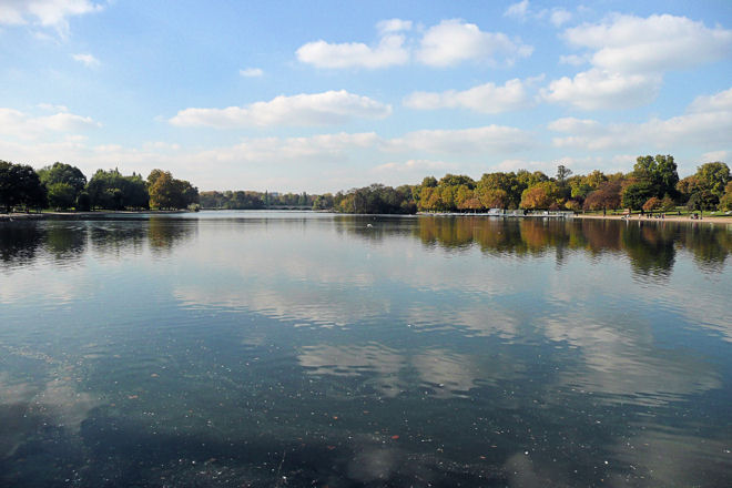 serpentine lake, hyde park