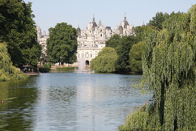 duck island and lake st james's park london